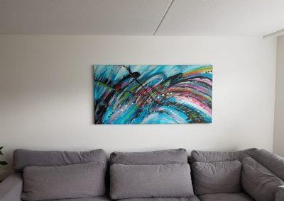 Schilderij abstract aan de wand