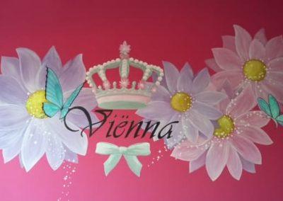 Muurschildering kinderkamer bloemen en glitters