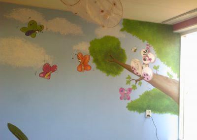 Muurschildering babykamer diddle