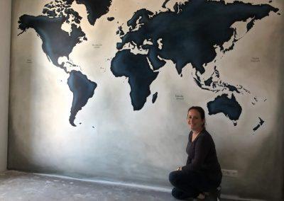 Muurschildering donkerblauw wereldkaart